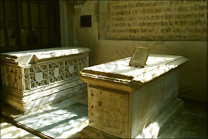 Table tombs, Burford