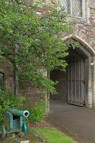 Photos Of Berkeley Castle Main Gate