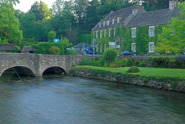 The River Coln And Swan Hotel Bibury