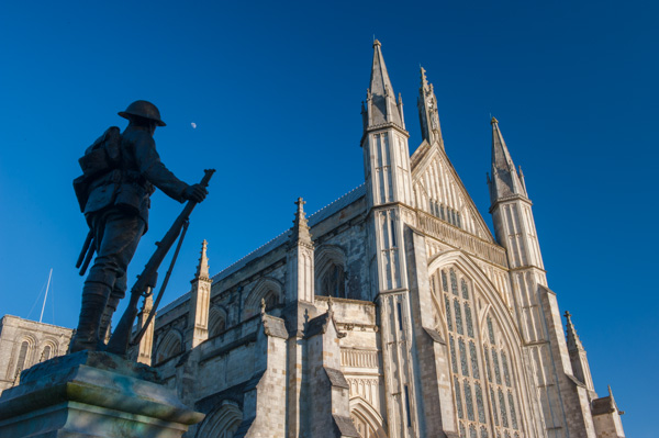 Winchester heritage guide historic winchester hampshire - Round table winchester cathedral ...