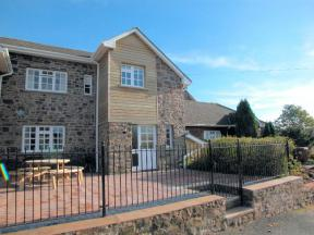 Cottage: HCFRIAR, Crediton, Devon
