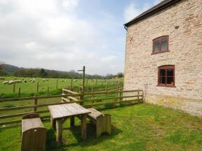 Cottage: HCHALLS, Kington
