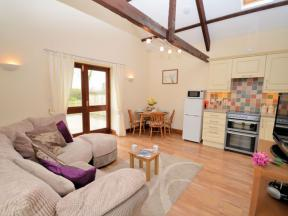 Cottage: HCMILLP, Holsworthy