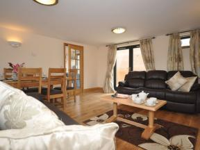Cottage: HCSAILA, Charmouth