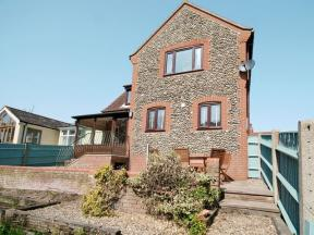 Beach Retreat, Mundesley