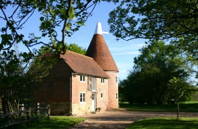 Bakers Farm Oast, Ticehurst, East Sussex