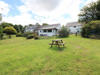 Self Catering Cottage In Dyfed Morfa Isaf Farm