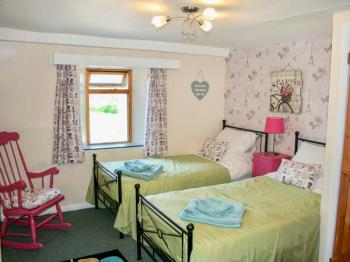 Cornwall Self Catering Cottage Bluebell Whitstone Sleeps 5