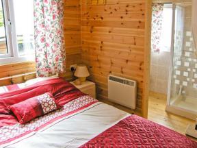 Shropshire Self Catering Cottage The Log Cabin Adforton