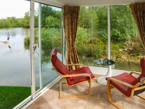 Self Catering Cottage In Gloucestershire Secret Island