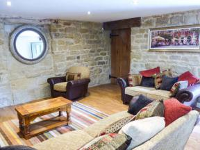 Peak District Self Catering cottage, The Tack Room Cottage