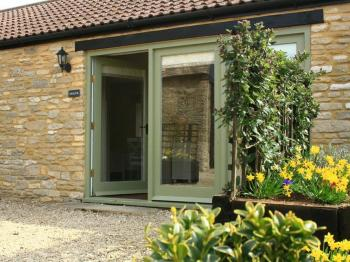 Oxfordshire Self Catering cottage, Ewecub Barn, Minster ...