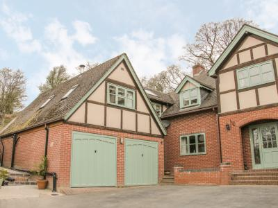 Ragleth Place Lodge, Church Stretton