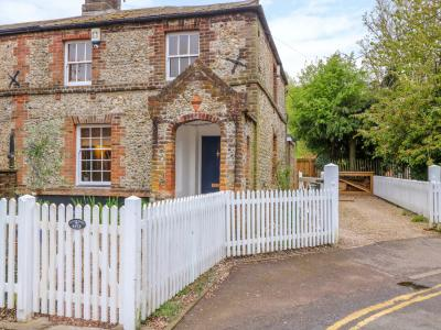 3 Station Cottages, Wymondham