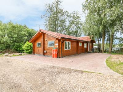 Teal Lodge, Tattershall Lakes Country Park, Lincolnshire