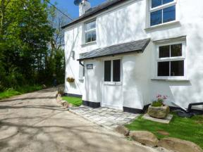 Cob Cottage, St Columb Major