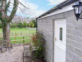 Lair Close Cottage, Shaw Mills