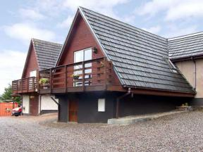 Larchfield Chalet 2, Strathpeffer, Highlands and Islands