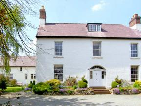 The Old Schoolhouse and Cottage, Bishops Castle, Shropshire