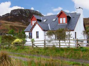 Viking Cottage, Glenuig, Highlands and Islands