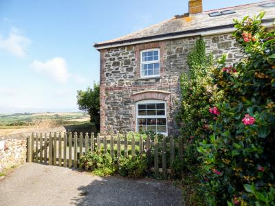 2 Menefreda Cottages, Rock, Cornwall
