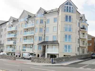 Ocean View Apartment, Rhos-on-Sea, Clwyd