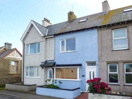 2 Tregof Terrace, Cemaes Bay