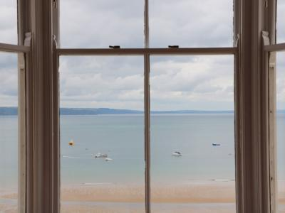 1 Beachtop Court, Tenby