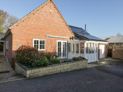 Annexe, Long Stratton