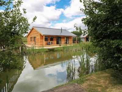 Lily-pad Lodge, Thorpe-on-the-Hill, Lincolnshire