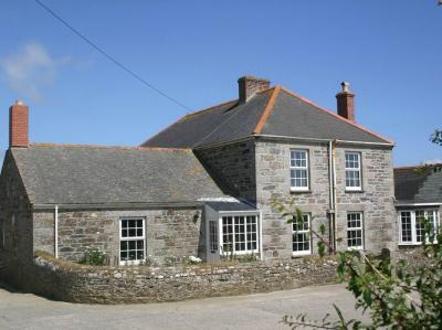 Hingey FarmHouse, Gunwalloe