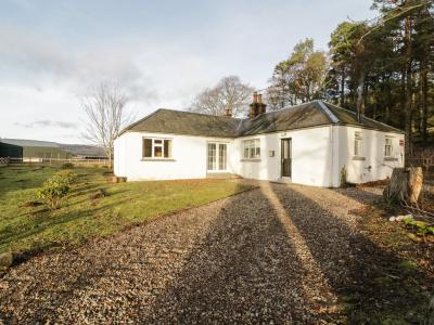 White Hillocks Cottage, Kirriemuir