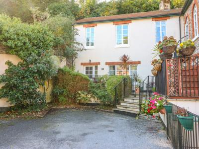 4 Old Mill Court, Brixham