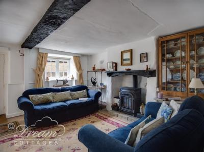 Apple Tree Cottage, Burton Bradstock