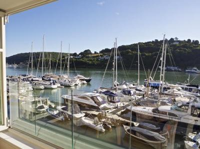 22 Dart Marina, Dartmouth