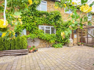 Stone Wheel Cottage, Hook Norton