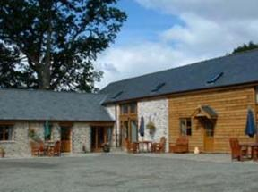 Pwllgwilym Holiday Cottages and B&B Builth Wells