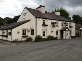 Black Lion Hotel Llanfair Talhaiarn