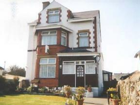 Witchingham B&B, Holyhead