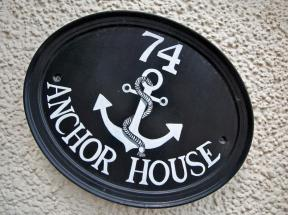 Anchor House, Dartmouth