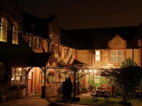 The Bolingbroke Hotel Royal Wootton Bassett