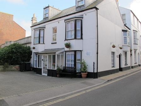Stone's Throw Guesthouse, Weymouth