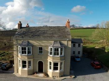 North Down Farm Bed & Breakfast, Lamphey, Dyfed