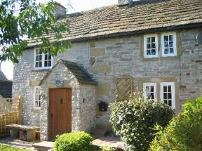 16th Century Craven Cottage (Sleeps 6) Longstone