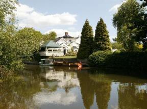 Hotels Near Bray Berkshire