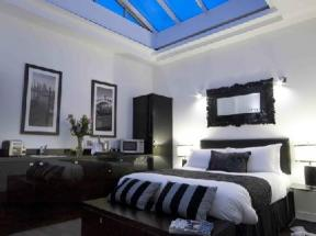 Strozzi Palace Luxury Boutique Suites Cheltenham