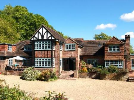 Arundel Holt Court B & B, Bedham, West Sussex