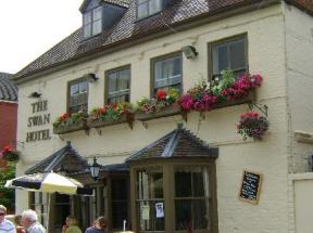 Historic small hotel in upton upon severn worcestershire for Small historic hotels