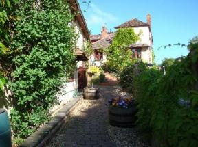The Old Plough B&B Longdon