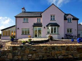 Y Garth B & B Dinas Cross